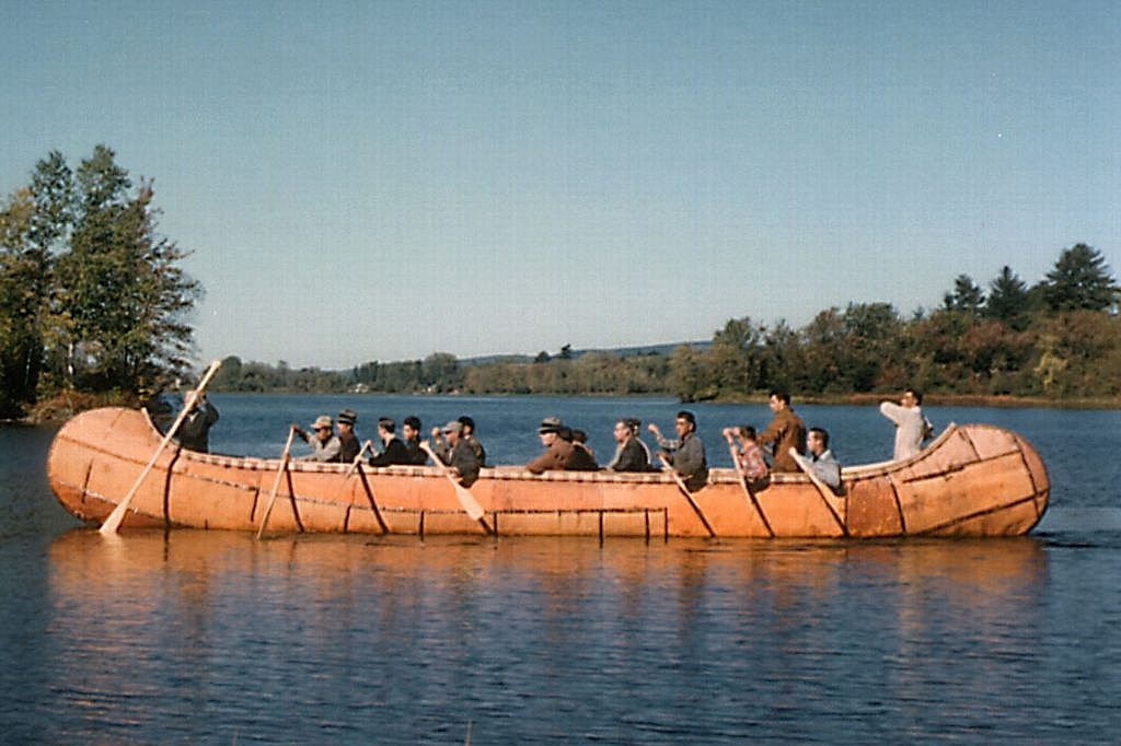 Worlds Largest Canoe Beaverbarkcanoes